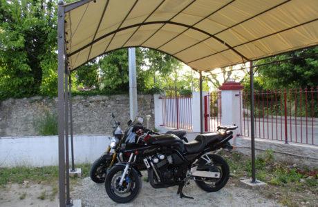 Unterstand für Motorräder